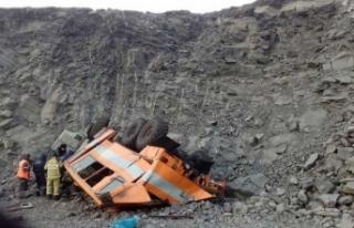 Rusya'dan feci görüntüler! Madencileri taşıyan...