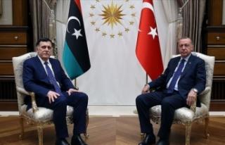 Cumhurbaşkanı Erdoğan, Fayiz es-Serrac'ı...