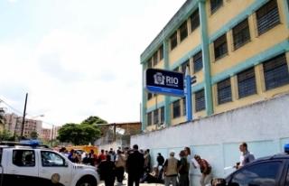 Okula silahlı saldırı! 5'i öğrenci 6 kişi...
