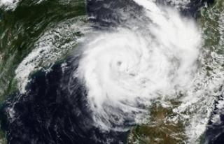 Tropikal fırtına üç ülkeyi vurdu: 126 ölü