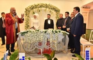 Başkan Zorluoğlu Trabzon'da ilk nikahını kıydı