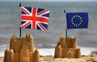 Brexit'i erteleyen İngiltere için yaz 'sıcak'...