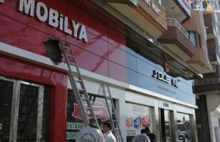 Diyarbakır'da AK Parti binasına silahlı saldırı