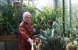 Emine Erdoğan, Nezahat Gökyiğit Botanik Bahçesi'ni...