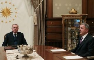 Cumhurbaşkanı Erdoğan, Hulusi Akar ve Ali Erbaş'ı...