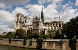Fransa'nın simgelerinden Notre Dame Katedrali'nin...