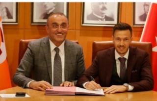 Galatasaray'da Martin Linnes'in sözleşmesi...