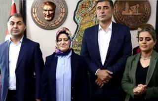 HDP'li başkan terörden ihraç edilen eski başkanla...
