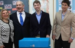 İsrail'de seçimler berabere bitti!