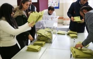 İstanbul'da iki ilçede geçersiz oylar yeniden...