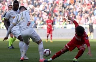 Kayserispor 3 puanı 3 golle aldı