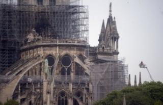 'Notre Dame'ın kuleleri Fatih için 'Kızıl...