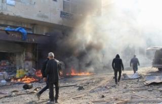 Rejim güçleri pazar yerine saldırdı
