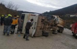 Tarım işçilerini taşıyan otobüs devrildi: Ölü...