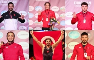 Türk güreşçilerden tarihi başarı