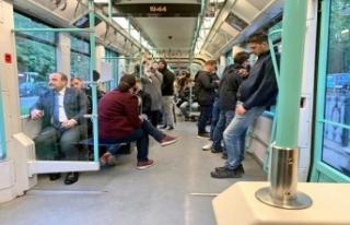 Bakan Varank tramvayla yolculuk etti