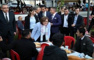 Başkan Şahin orucunu vatandaşla açtı