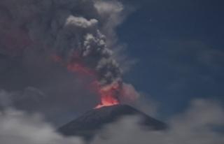 Endonezya'daki Agung Yanardağı'nda korkutan...