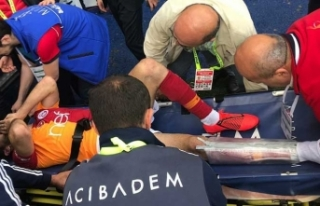 Galatasaray'da Emre Akbaba'nın ayağı...