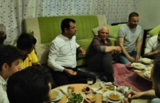 İmamoğlu, iftarını Kılıçalp ailesinin evinde...