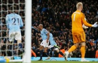 Manchester City Leicester City engelini aştı