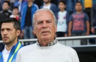 Mustafa Denizli görevinden ayrıldığını açıkladı