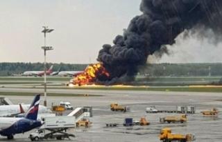 Rusya'da iniş yapan uçak alev aldı: 13 ölü!