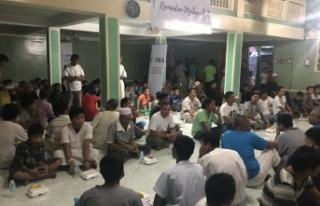 TİKA Filipinler'de iftar ve yardım organizasyonu...