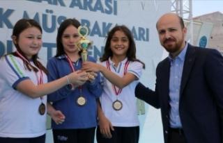 'Türkiye'de lisanslı okçu sayısı milyonu...
