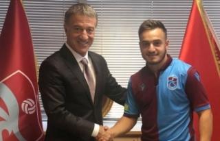 Trabzonspor Yusuf Sarı ile sözleşme imzaladı