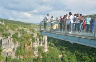 Türkiye'nin ilk cam seyir terasında bayram...