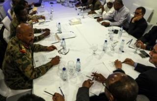 Sudan'da yeni konseyin ilanı 48 saat ertelendi