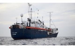 İtalya yasaklı limanını göçmenlere açtı