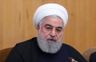 Ruhani'den Charlie Hebdo'ya kınama