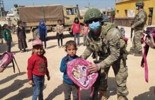 MSB'den Barış Pınarı bölgesindeki çocuklara...