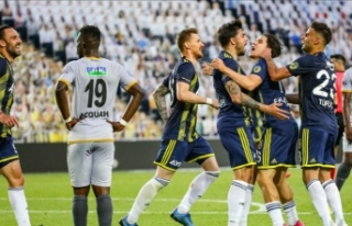 Fenerbahçe'nin yüzü uzatma dakikalarında...