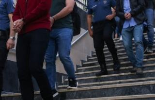 33 kişinin gözaltına alındığı fuhuş operasyonunda...