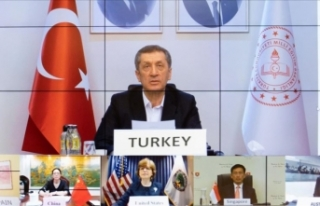 Milli Eğitim Bakanı Selçuk, Türkiye'nin Kovid-19...