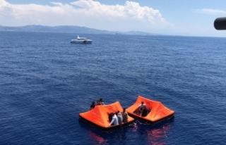 Yunanistan'ın Türk kara sularına bıraktığı...