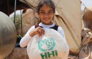 İHH'dan Afrin'de bin 100 aileye hijyen...