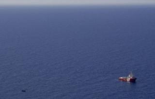Tunus açıklarında göçmen teknesi battı 25 göçmen...