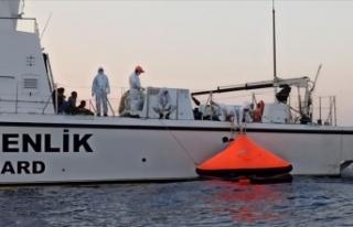 Türk kara sularına itilen 31 sığınmacı kurtarıldı