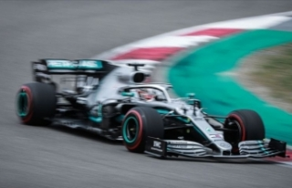 Formula 1'de Hamilton'dan üst üste üçüncü...
