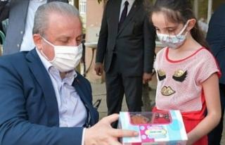 TBMM Başkanı Şentop'tan çocuklara bayram...