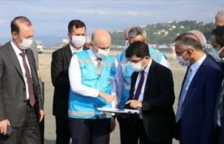 Bakan Karaismailoğlu yeni havalimanı inşaat sahasında...