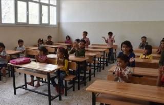Barış Pınarı bölgesinde yeni eğitim-öğretim...