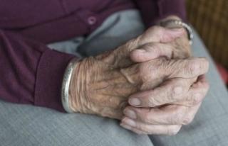 Japonya'da yüz yaşını geçmiş kişi sayısı...