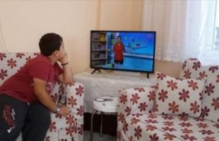 Kastamonu Valiliği 77 çocuğa televizyon aldı