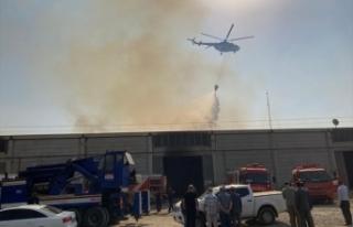 Korkutan fabrika yangını! Müdahale ediliyor