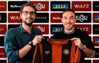 Mevlüt Erdinç yeni takımına imza attı
